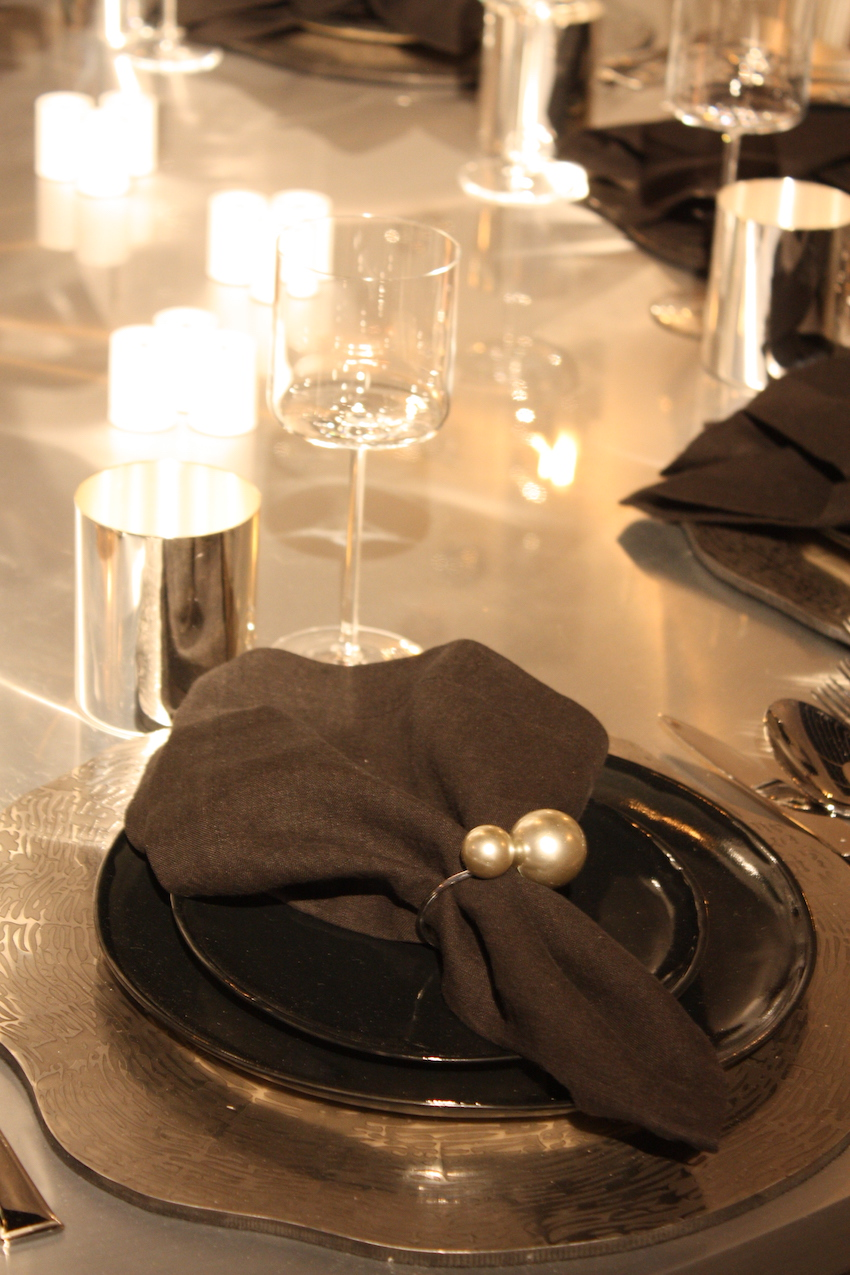 Formal Dark Table Decor For party