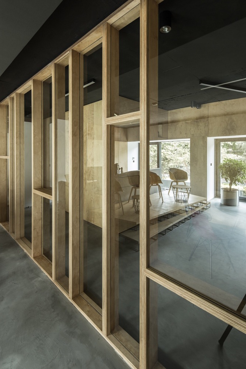 Framehouse office partition wall