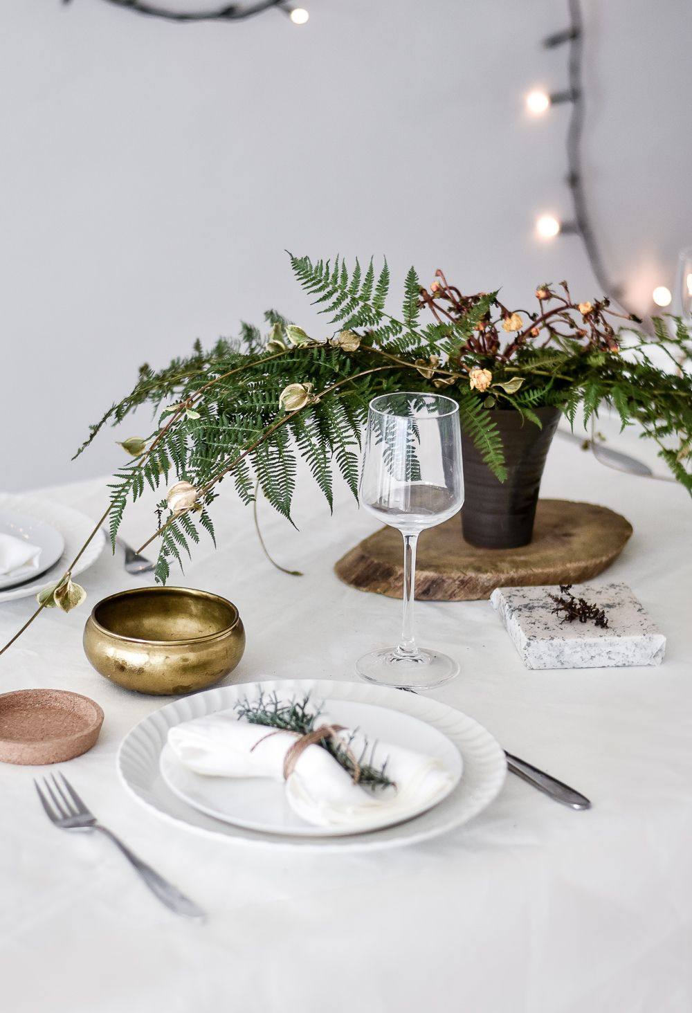 Green Festive Table Styling Centerpiece
