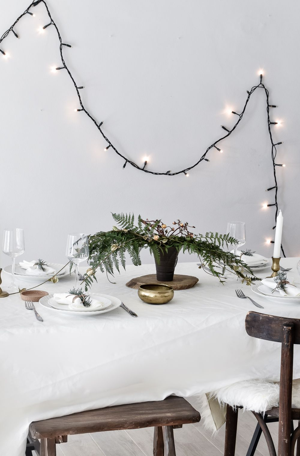 Green Festive Table Styling