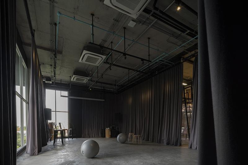 Hubba Thailand concrete floor in screening room