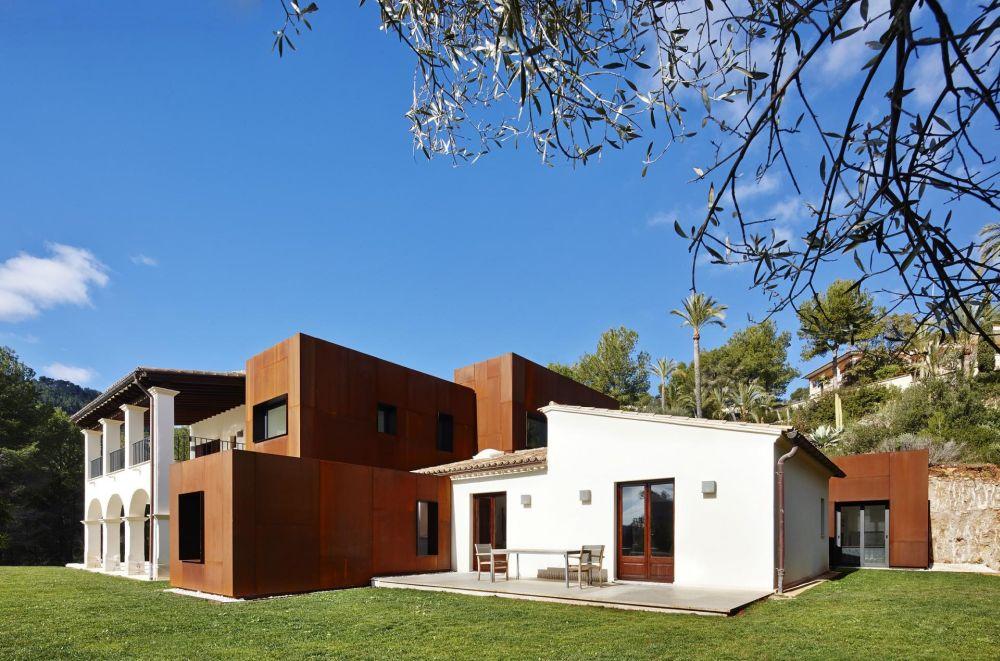 Kubik Extension by GRAS Guillermo Reynes Architecture Studio,