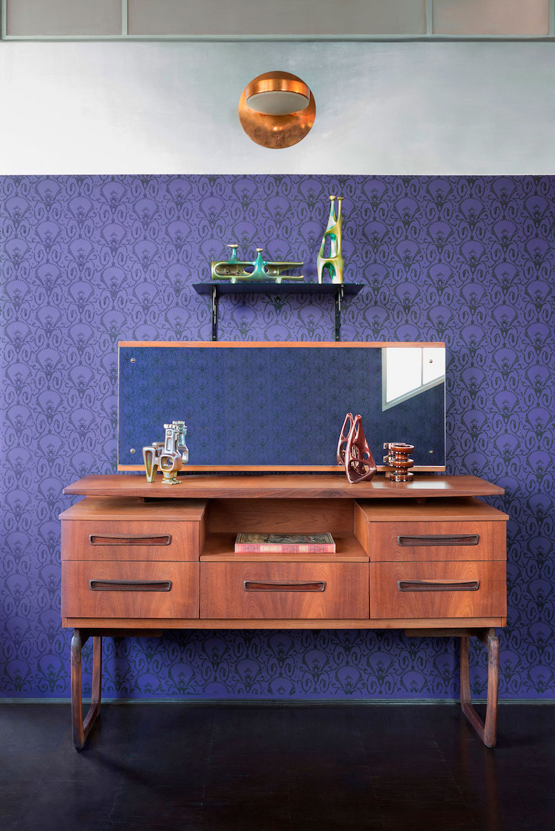 Loft 19 house bedroom vanity