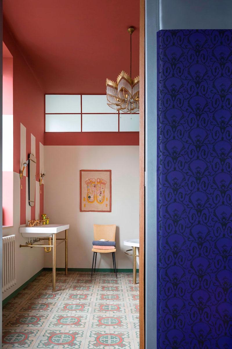 Loft 19 house upstairs bathroom area