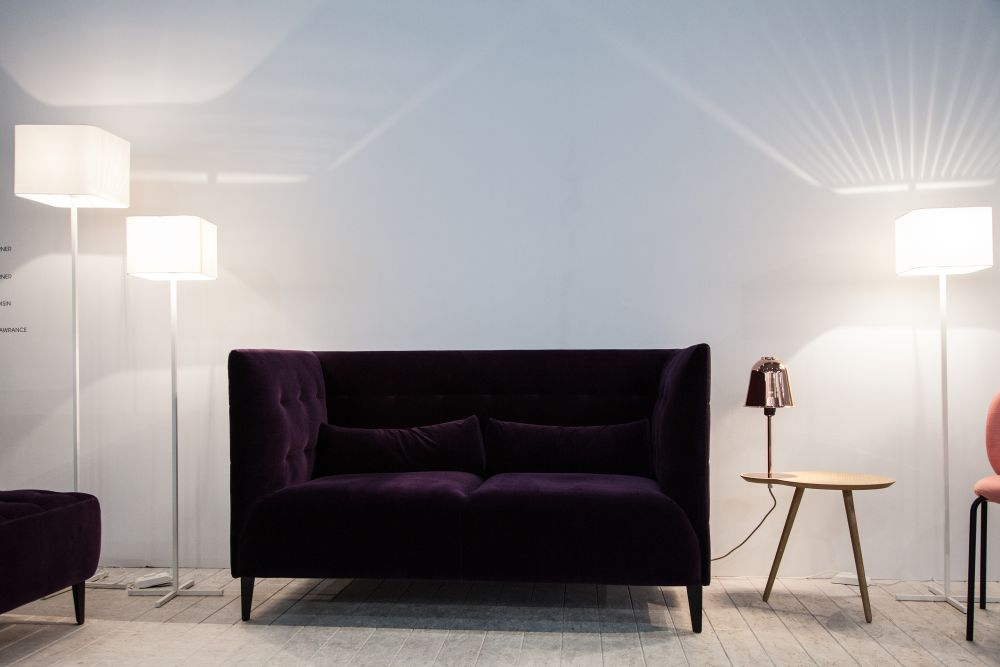 MCD Tufted Vlevet Sofa with High Arms