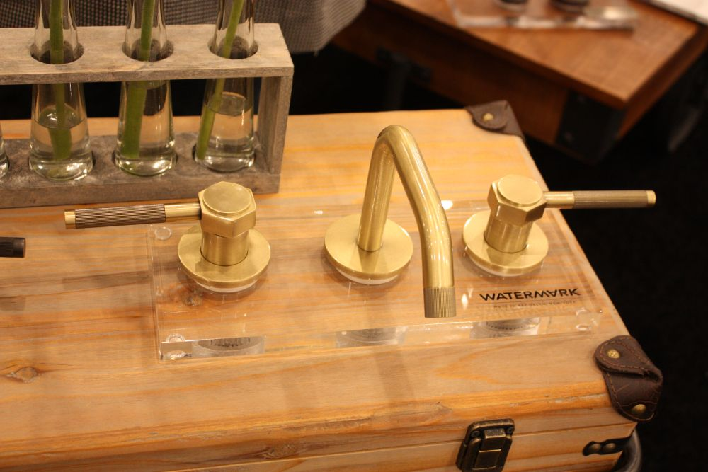 Modern brass painted watermark faucet