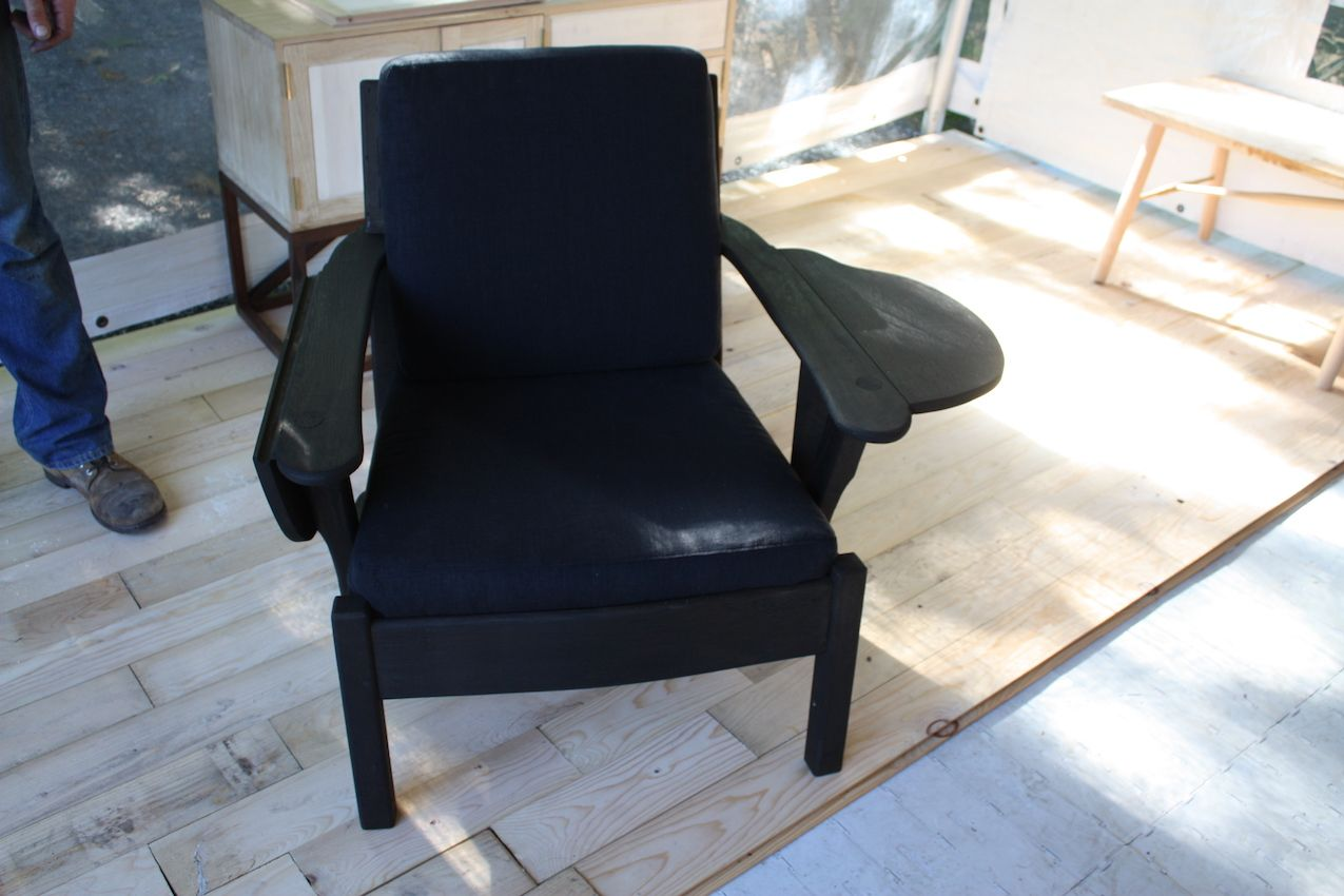 Moyer drop arm chair