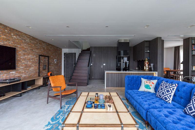 Penthouse Ecopark blue sofa
