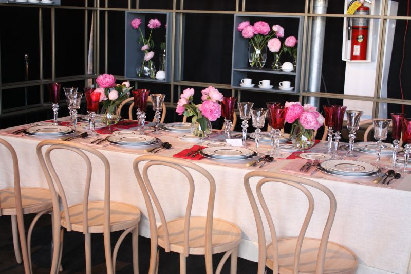 Roses party table decor