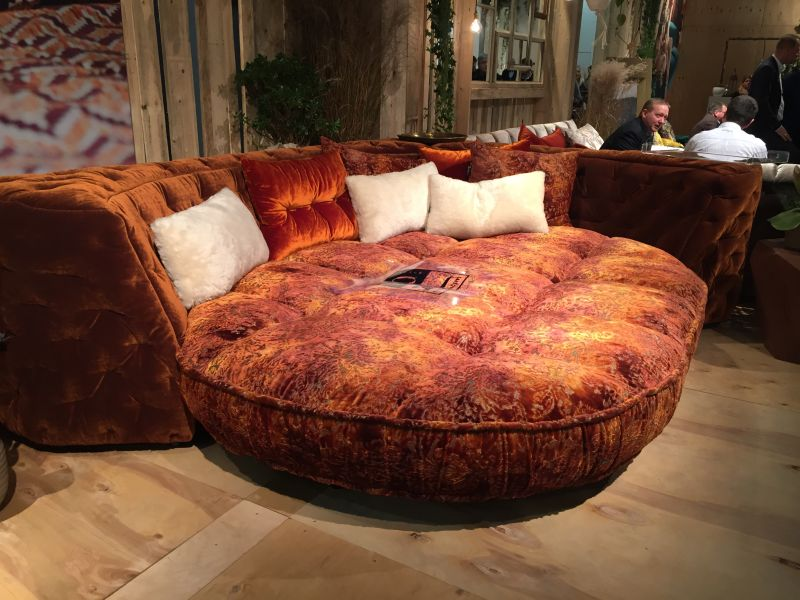 Solid and dirt wood color for a round couch
