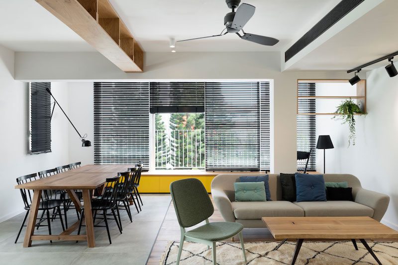Family Apartment With A Clear And Harmonious Two-Zone Plan