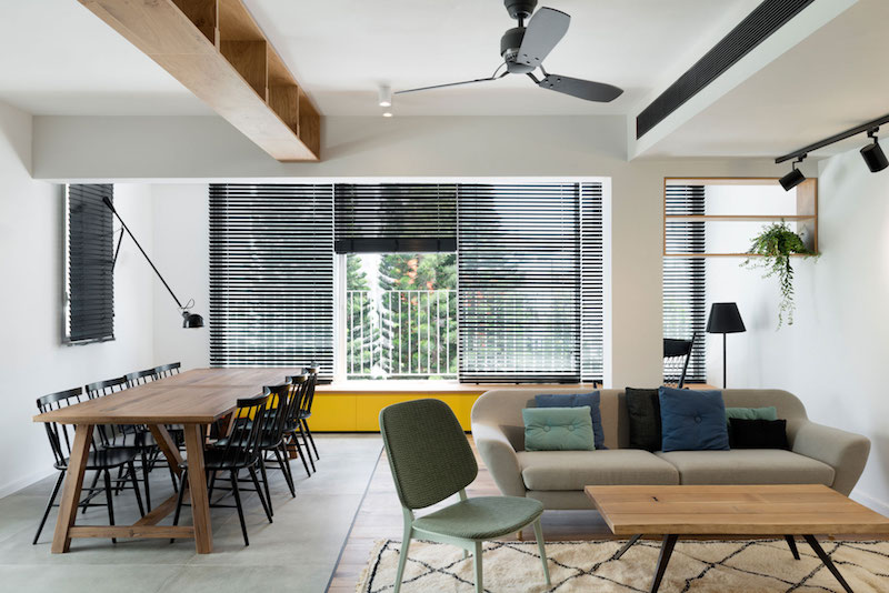 Tel Aviv apartment dining and lounge