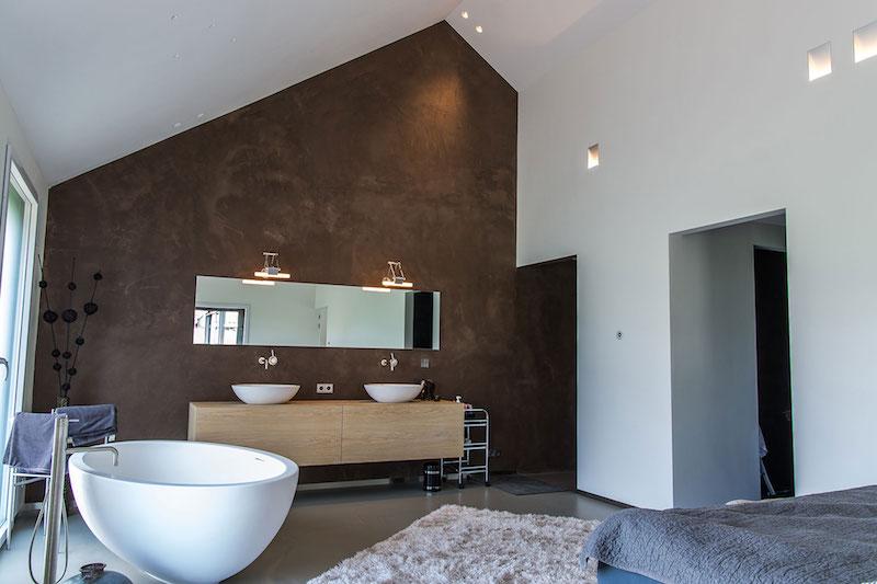 Villa Hindeloopen bedroom tub