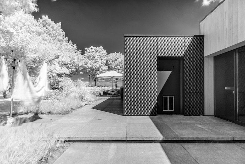 Villa Hindeloopen black and white image