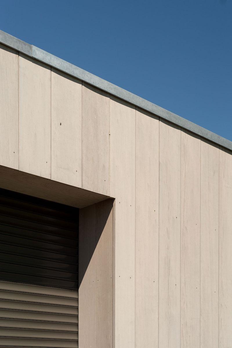 Villa Hindeloopen exterior wall and roof