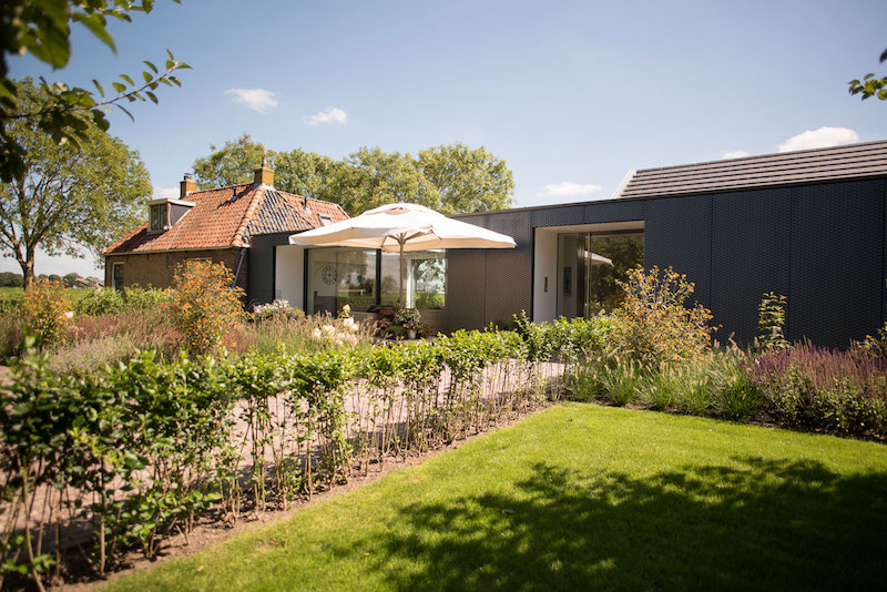 Villa Hindeloopen garden area