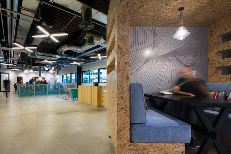 Algotec Offices shared and private space balance