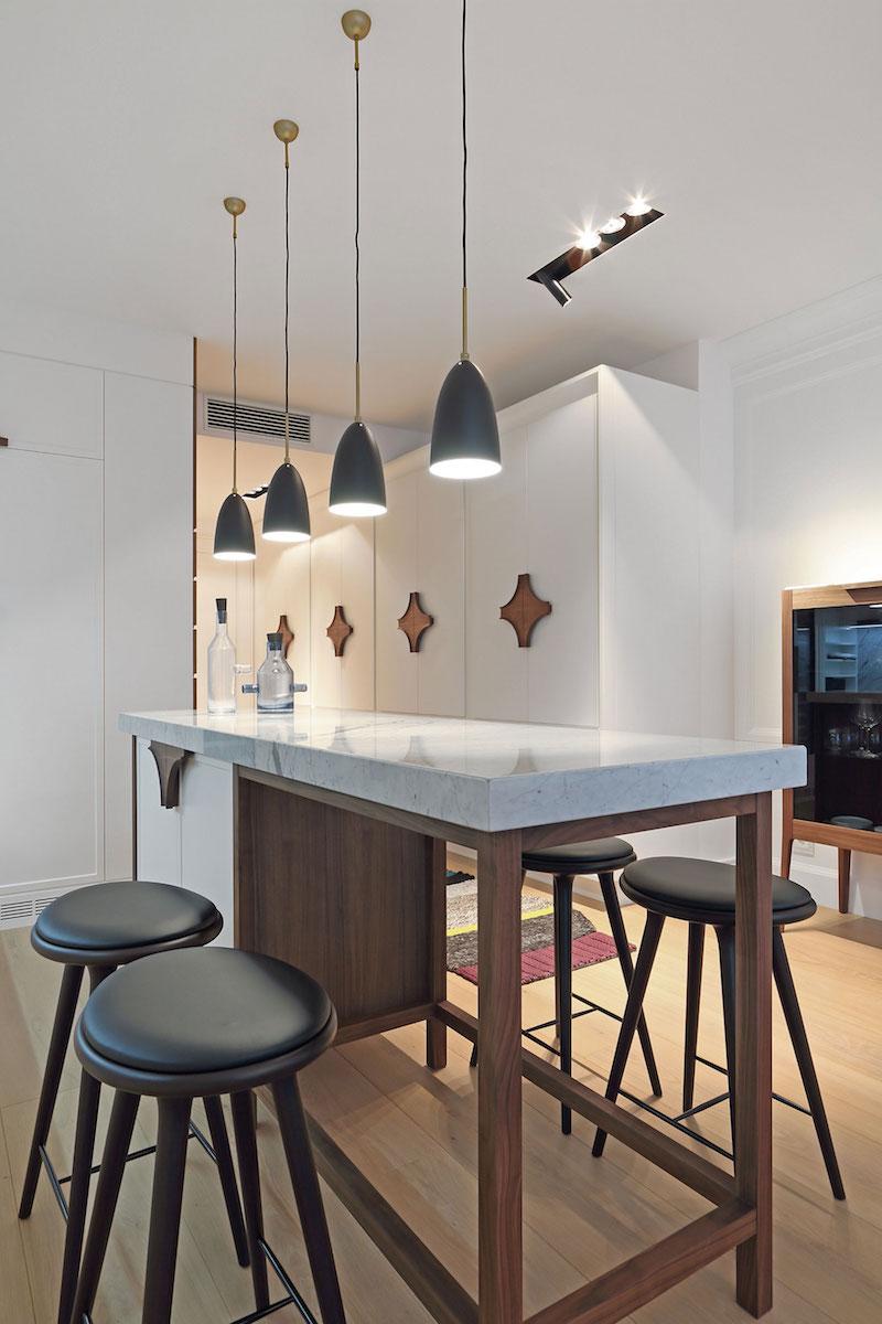 Apartment ST kitchenn island bar