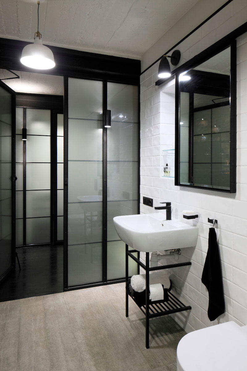 Apartment UV bathroom sink