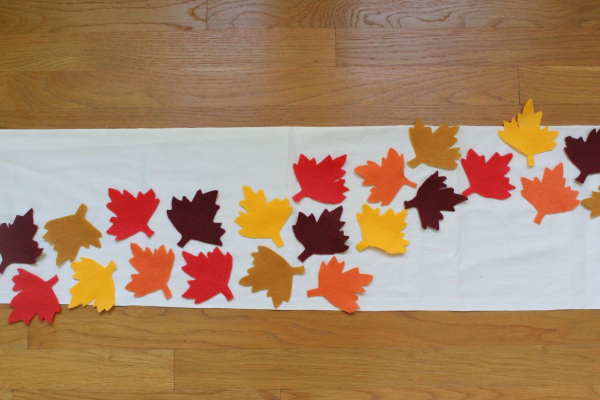 Arrange the leafs on burlap