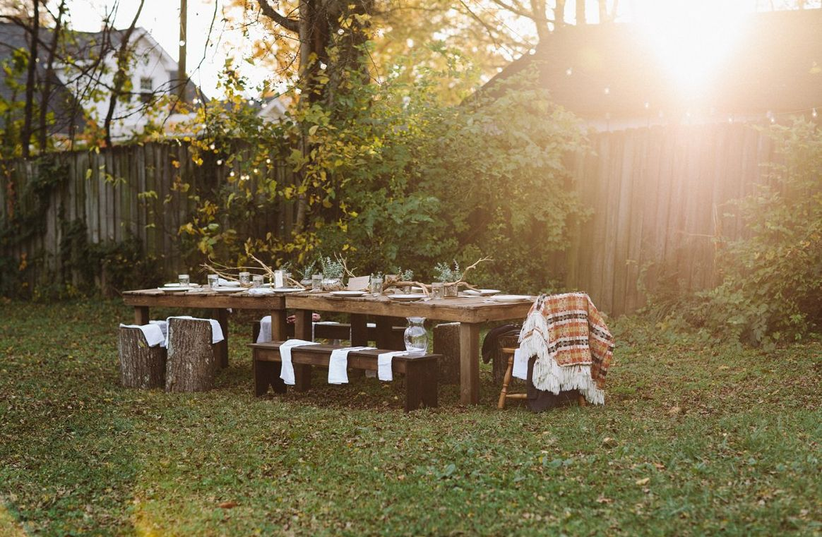 Backyard Thanksgiving Table