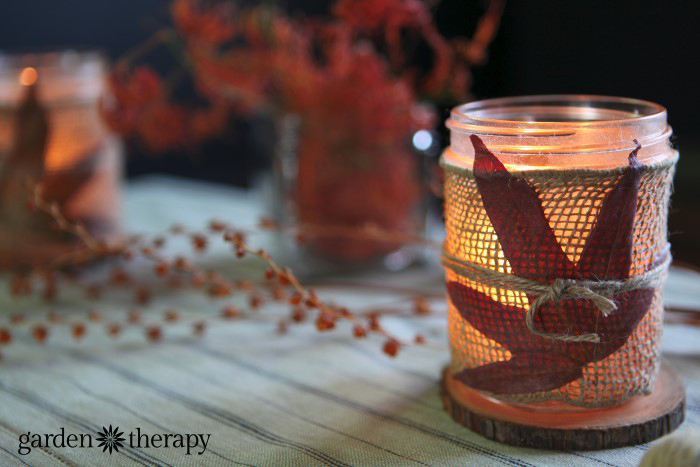 Burlap mason jar candles
