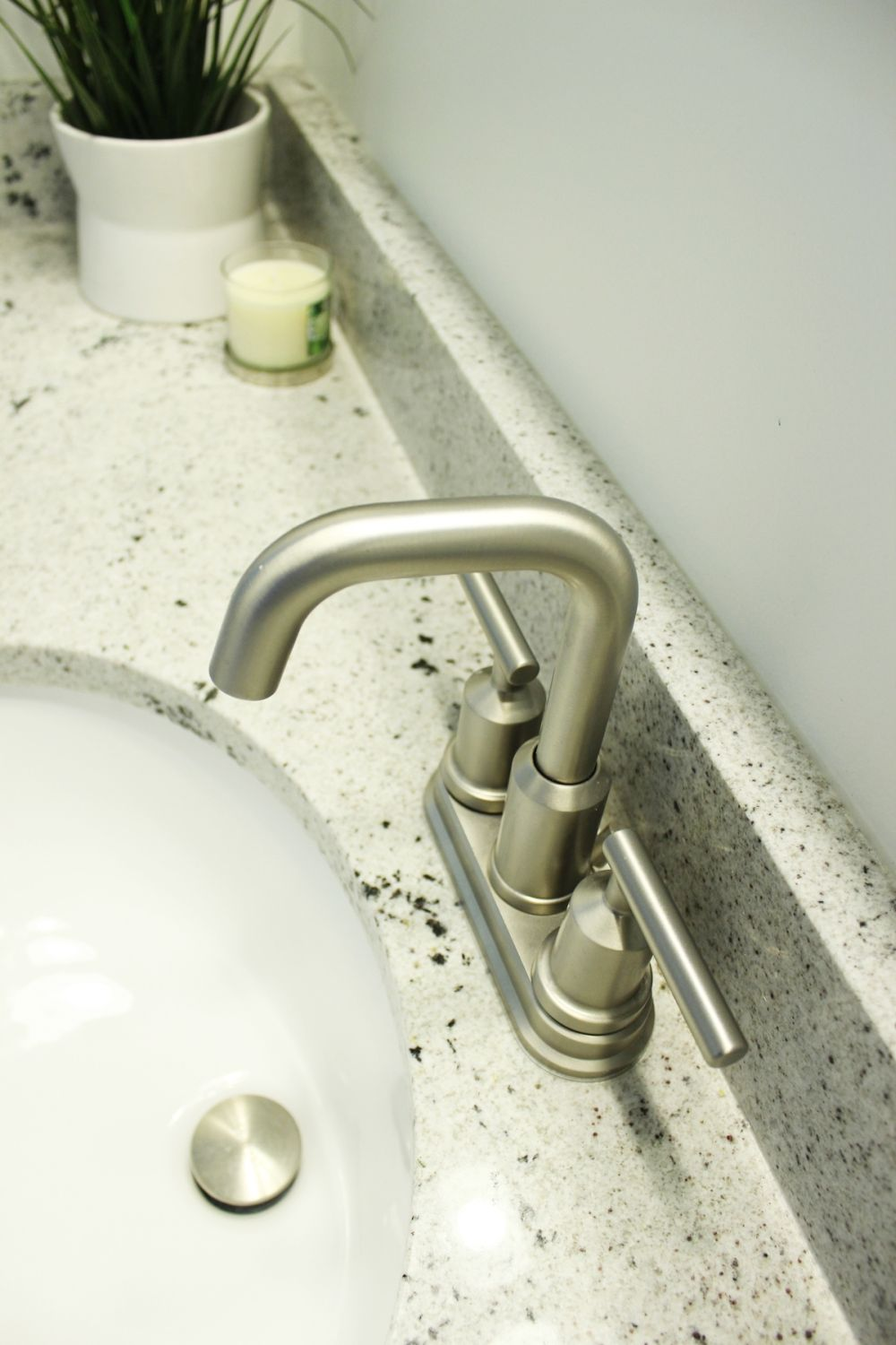 Choosing the right faucet for the bathroom sink