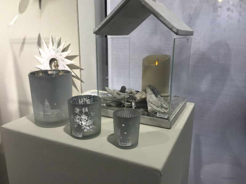 Christmas Decoration Ideas - candle glass house