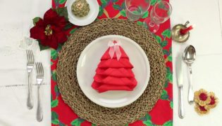 Quick and Easy Christmas Tree Napkin Fold