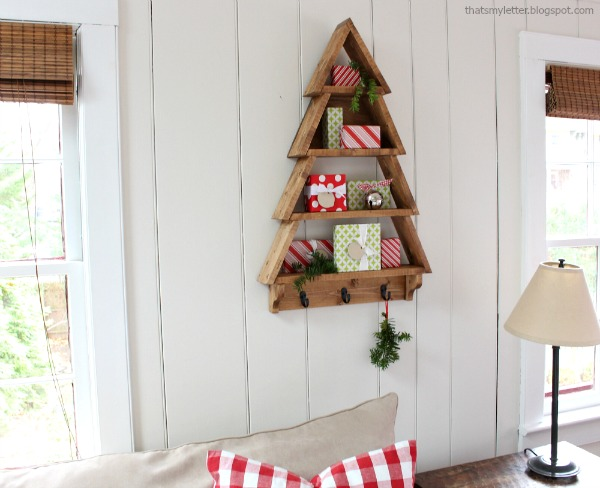 Christmas tree-shaped shelving unit