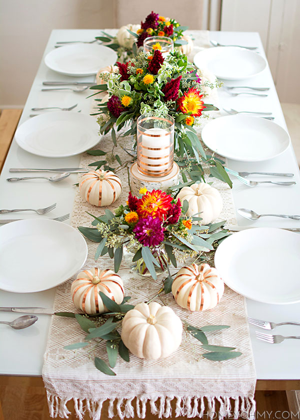 Clean fall tablescape design