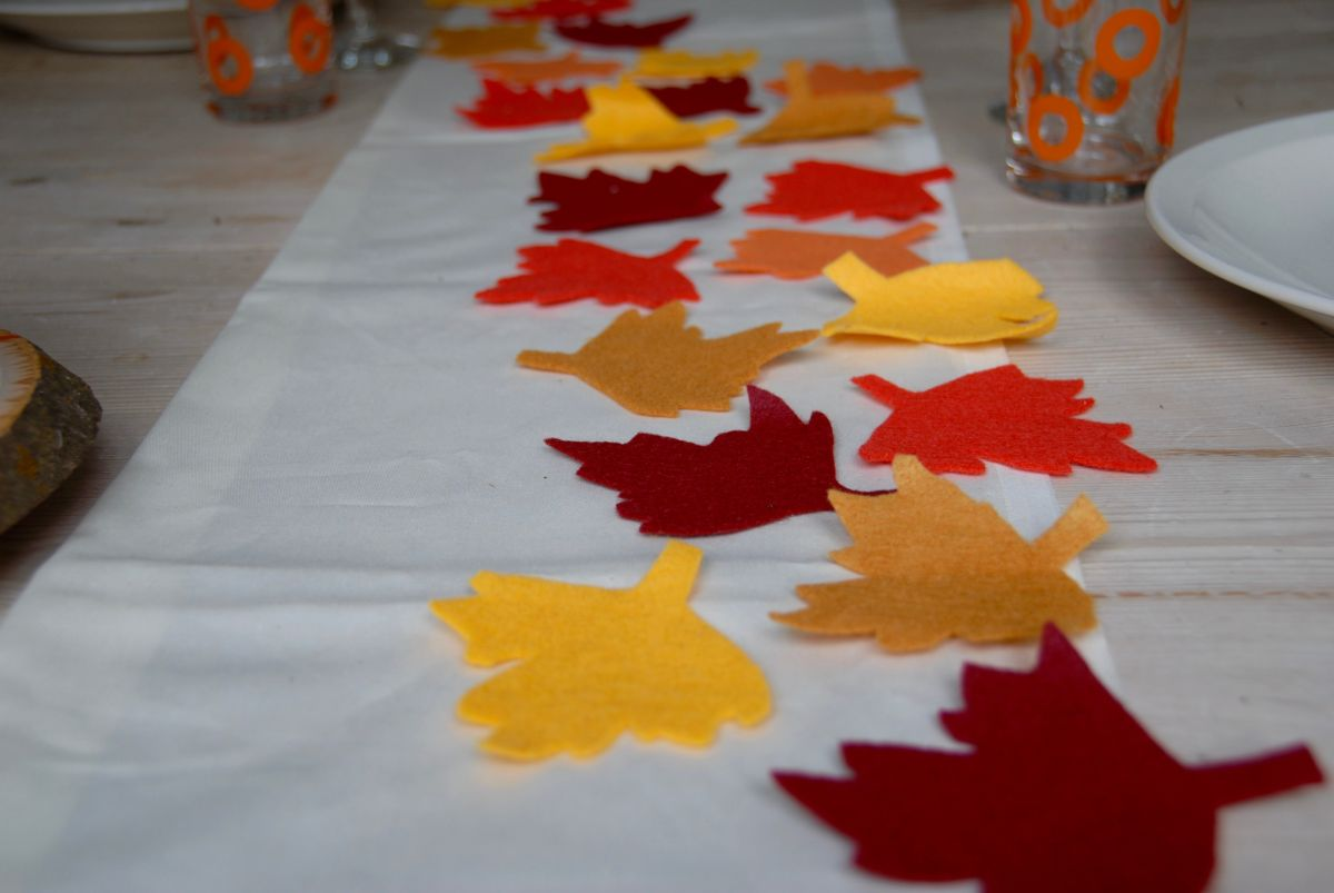 Colorful Thanksgiving table runner and placemats