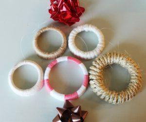 DIY Christmas Gift: Decorative Mason Jar Lid Wreaths
