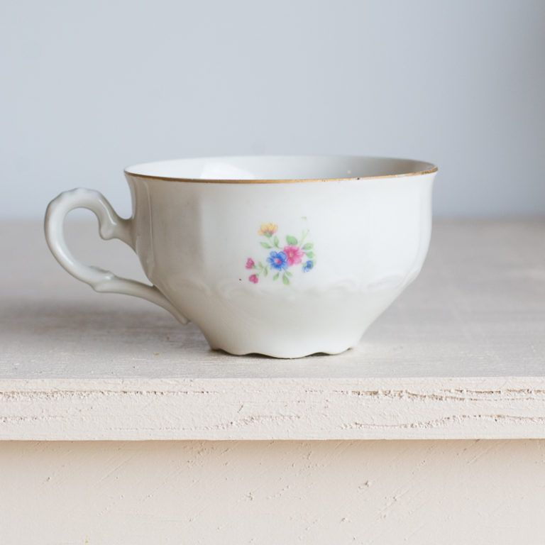 easy diy repurposed teacup planter
