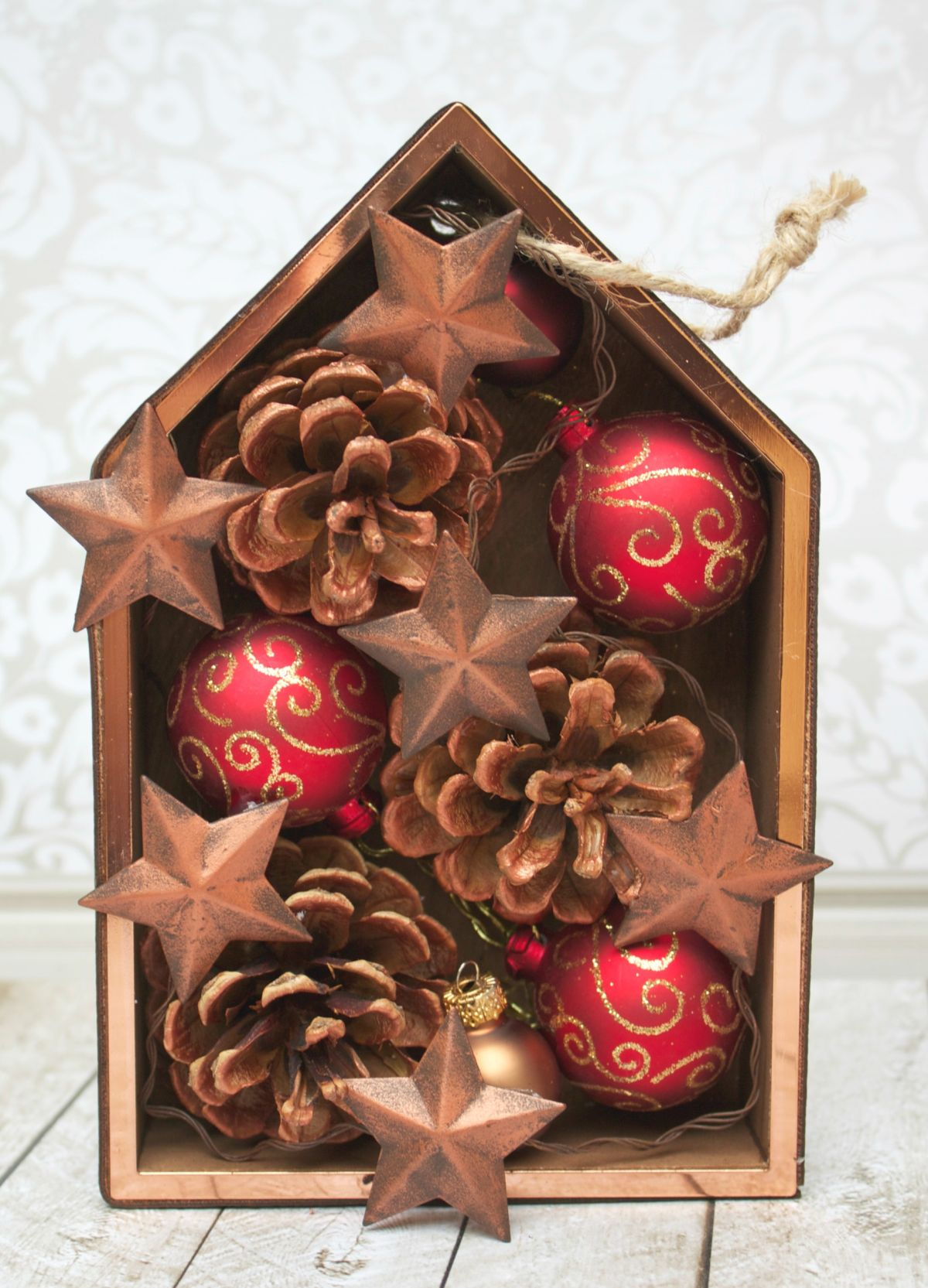 DIY Shadowbox Christmas Ornament Tutorial