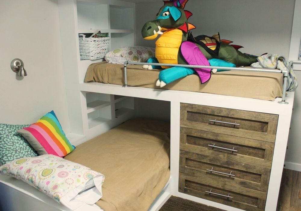 Daybed kids room design