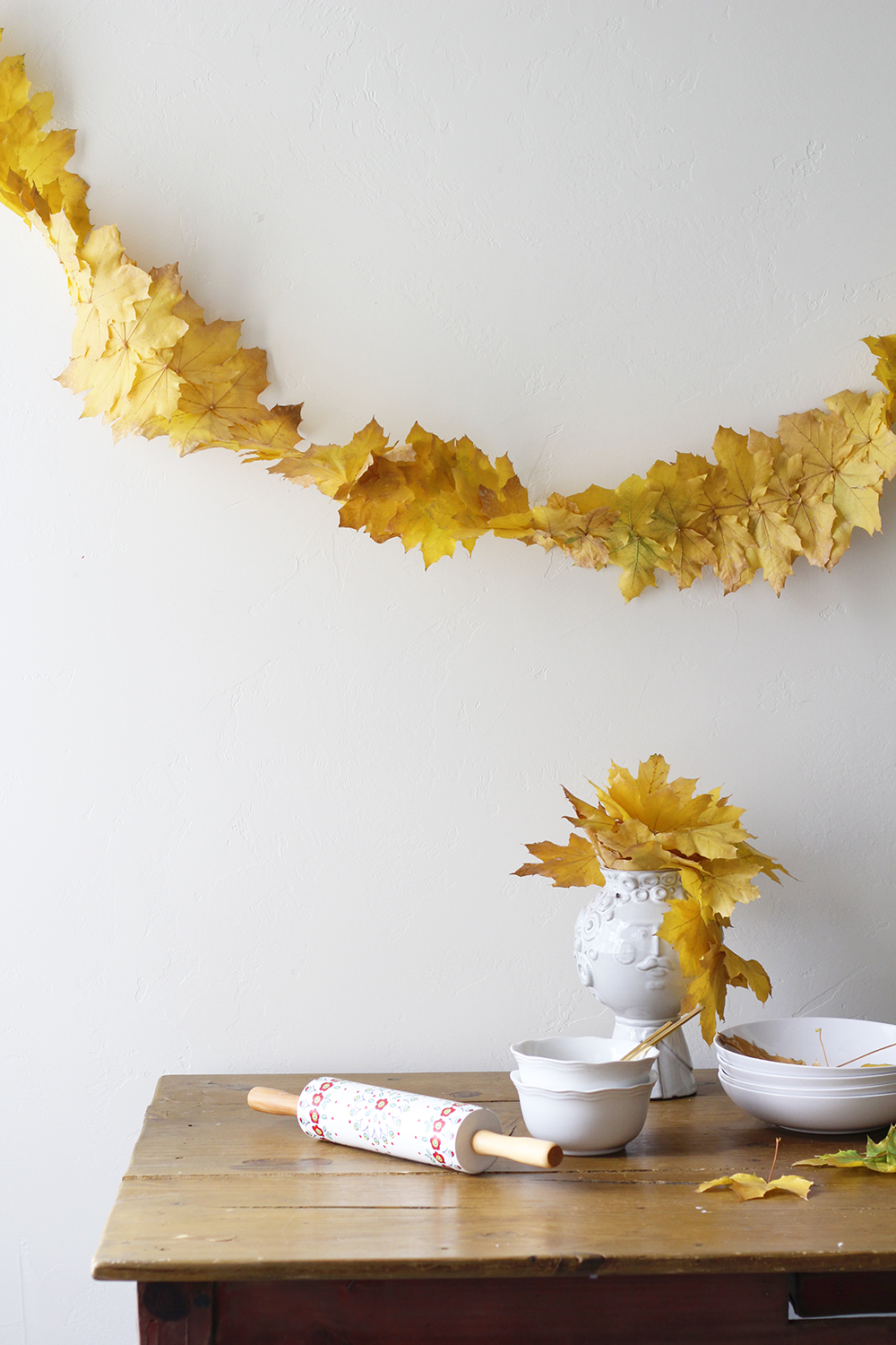 Fall leaf streamer garland