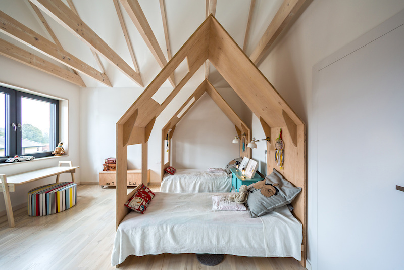 Fence House bedroom for kids