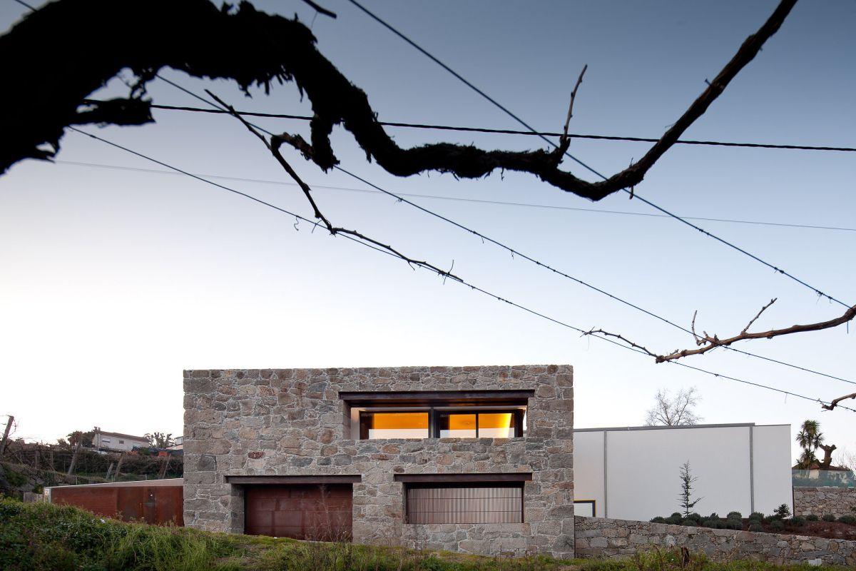 Fernando Coelho- RM House House Decor