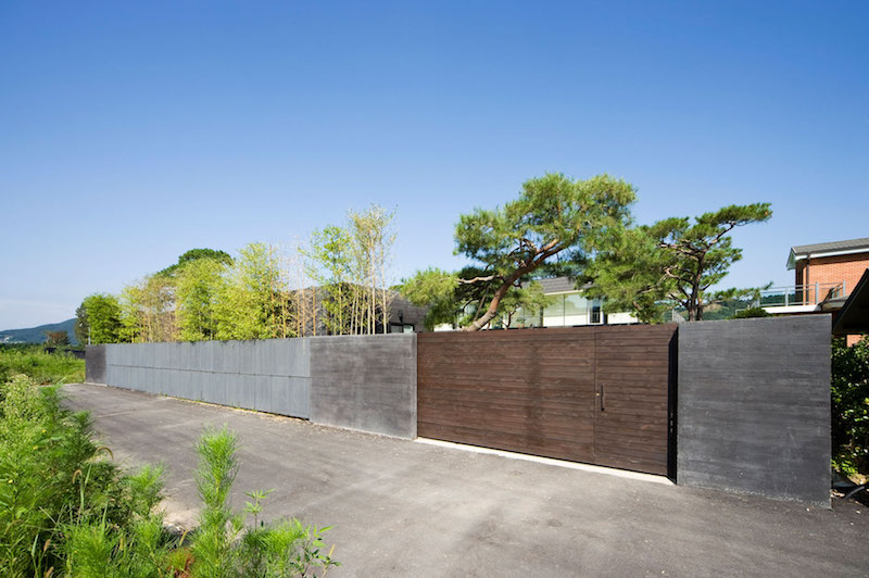 Floating House fence