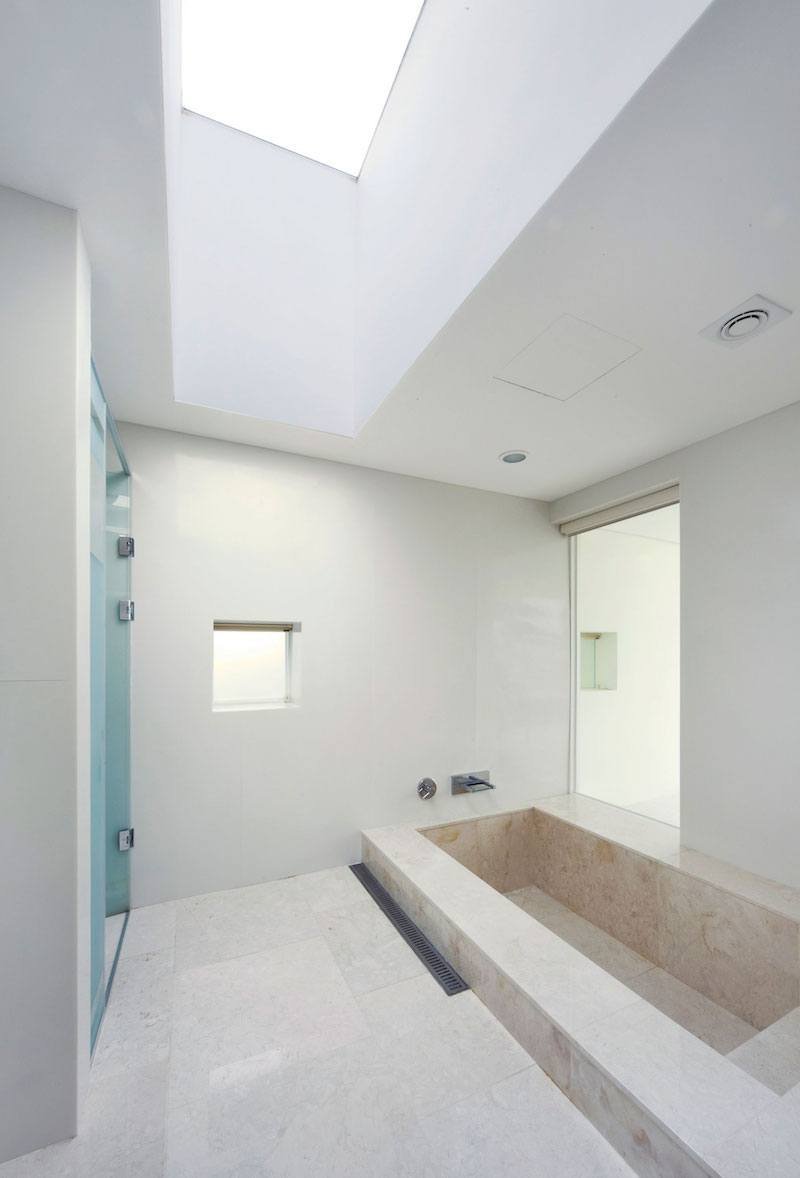 Floating House sunken tub