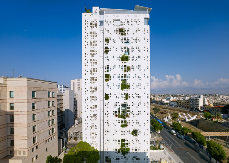 French studio Ateliers Jean Nouvel Tower Block With Fresh Garden