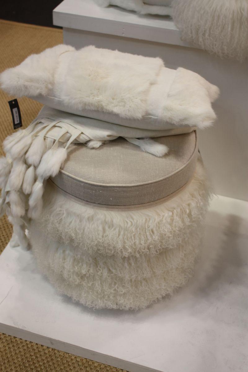 Fur ottoman for cold season