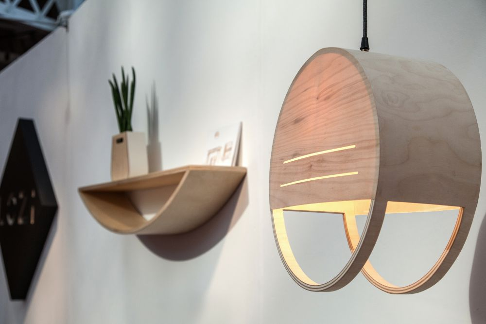 Hanging pendant lamp from wood