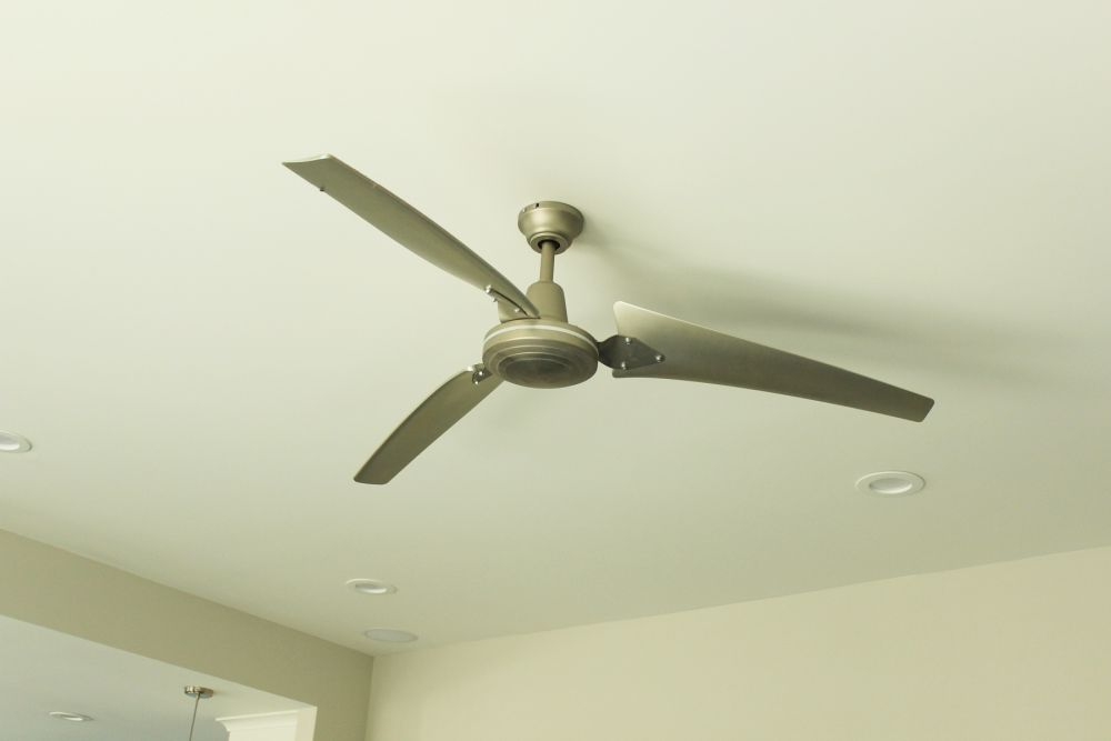 How to Decorate Living Room - ceiling fan
