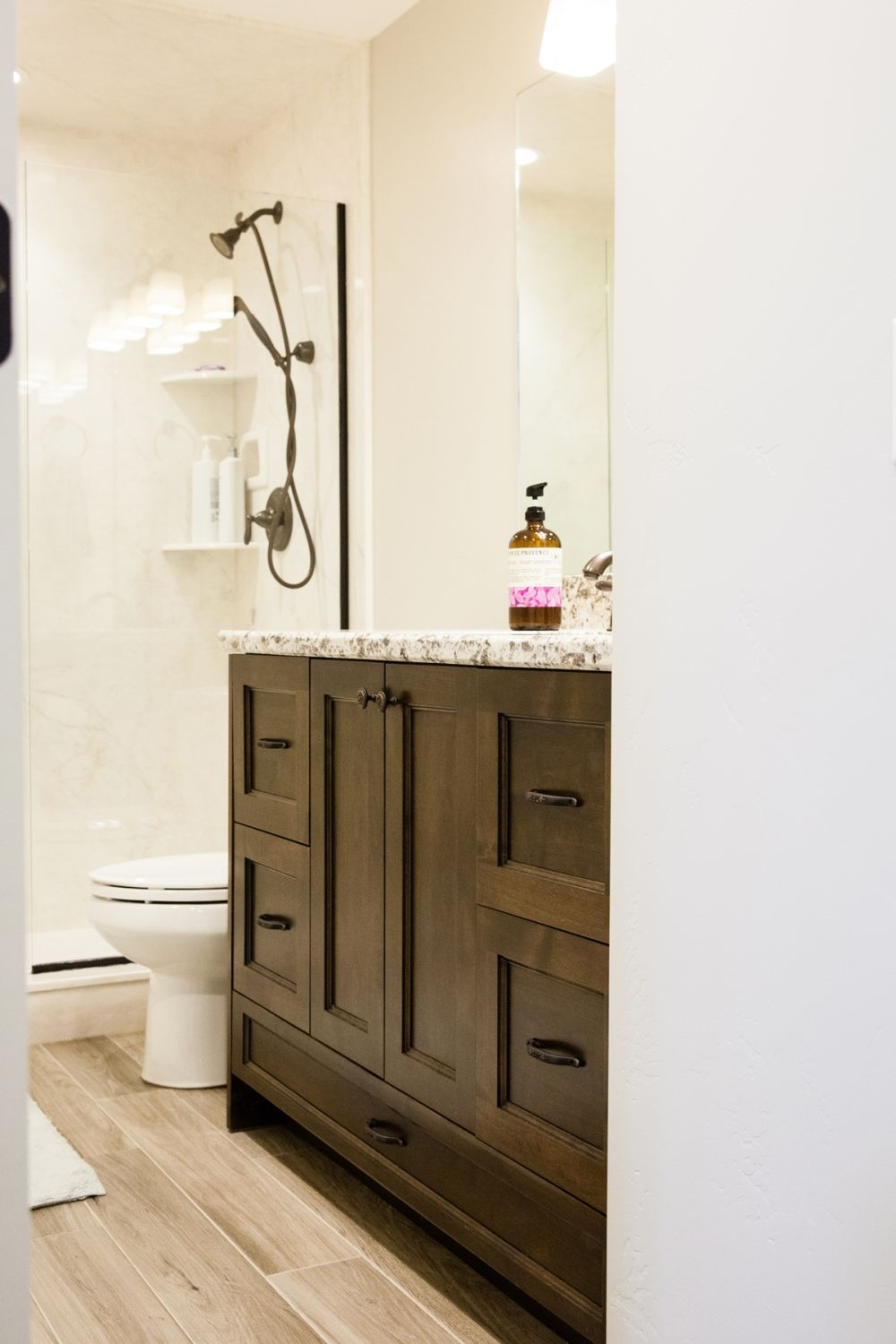 How To Decorate Bathroom how to decorate a bathroom without clutter