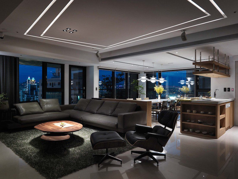 Smart Apartment With A Scenic View Of The City