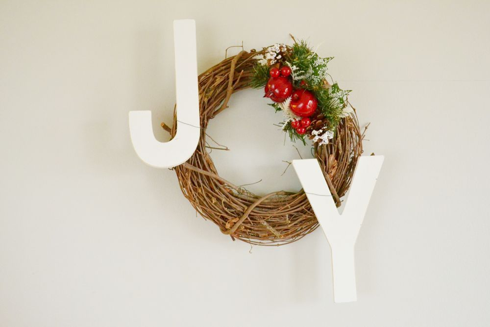 Joy Holiday Wreath