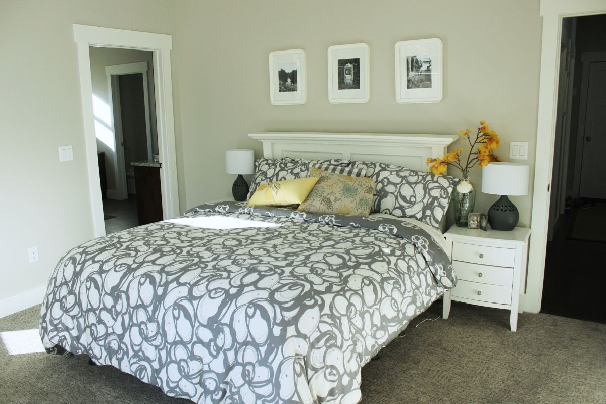 how to decorate a bedroom simply and with style 15093 | large master bedroom design