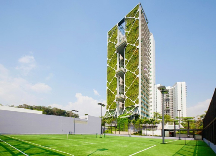 Largest Vertical Garden Sets Guinness Record at Singapore